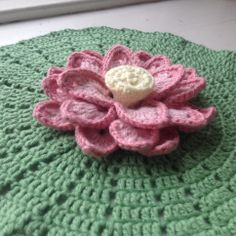 Suvi's Crochet: Lotus flower. Free crochet pattern with pictures and chart