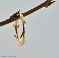 I adore the simplicity and delicate nature of this pastoral twig ring. #MaggiePate #InksandThread