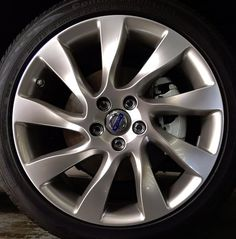 Magni 18 x 8 Volvo #30758060 (color 936 Bright Silver), Offset 55mm, 11.7 kg, stamped 31302110