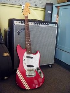 Fender '69 Mustang Competition Red reissue