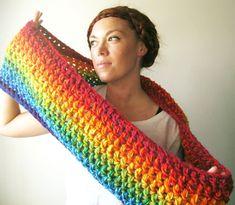 LISTO PARA la bufanda de arco iris de la NAVE. Brillante y