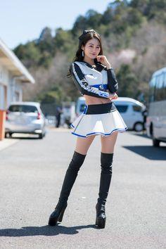 Korean Girl Fashion, Asian Fashion, Promo Girls, Hot Japanese Girls, Umbrella Girl, Grid Girls, Cute Asian Girls, Beautiful Asian Women, Sexy Outfits