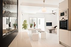 Open plan modern apartment in the city center of Barcelona. Advanced Home Staging | Markham Stagers, Barcelona