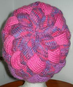 LYLA, bonnet en entrelacs en dégradé de rose et parme