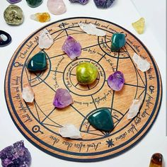 Metatron's Cube Crystal Grid, Sacred Geometry, Meditation Altar, Witch Wooden Crystal Grid, Viking H Chakra Crystals, Crystals And Gemstones, Stones And Crystals, Chakra Stones, Meditation Altar, Meditation Gifts, Healing Meditation, Wicca Altar, Wiccan