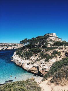 Mallorca Beach Guide: Caló Des Moro - teetharejade.com