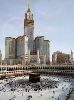 This is The Ka'ba a mosque built in Mecca. Mecca is the holiest city for people who practice Islam. Mecca Masjid, Masjid Al Haram, Laos, Mekka Islam, Travel To Saudi Arabia, Mecca Wallpaper, Hd Wallpaper, Moslem, Mekkah