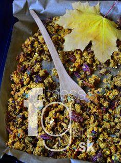 Chrumkavá tekvicová granola s pekanovými orechmi