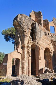 Villa Adriana, Tivoli, Lazio, Italy Roman Architecture, Historical Architecture, Ancient Ruins, Ancient Rome, Tivoli Italia, Broken City, Villa, Italy Pictures, Tivoli Gardens