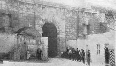 Heraklion, Gate of Jesus 1900 Heraklion, Old Maps, Crete, Vintage Photos, Mount Rushmore, The Past, Europe, Island, Mountains