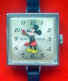 Wow! Mickey Mouse animated red hands square chrome Bradley 1978 extremely rare
