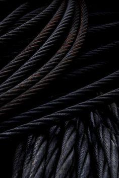 ♂ Black cables