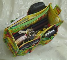 """A toolbelt for your handbag"". Porta-pockets. Small: 6"" tall 8"" wide x 2,5"""
