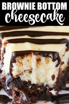 Brownie Bottom Cheesecake Brownie Bottom Cheesecake - So easy to make that you'll feel like you are cheating! Enjoy the rich chocolate brownie bottom layer topped with a creamy and sweet cheesecake filling. Use a brownie mix to save on time! Cheesecake Brownies, Cheesecake Desserts, Köstliche Desserts, Chocolate Cheesecake Recipes, Brownie Mix Desserts, Simple Cheesecake, Brownie Mix Recipes, Layer Cheesecake, Birthday Cheesecake