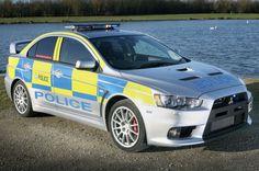 #Polizia e #supercar. Tre le #Mitsubishi Lancer Evolution della polizia britannica: buona anche per lo sterrato. http://giornalemotori.it/72574/se-la-polizia-mette-il-turbo/