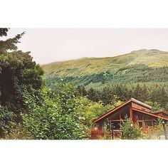 الريفُ صَوتك والمدائنُ صوتُهم ! أنت الهدوءُ .. وكلّهم إزعاجُ '♡ by Dream blink, via Flickr