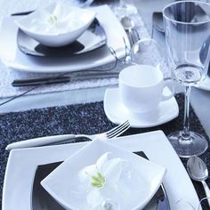 """Here's a close and personal look at how we added a touch of glamour to family dinner: #Luminarc's """"Quadrato White"""" collection! #Table"""