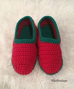 Crochet Womens Slippers. by NikoBoutique on Etsy