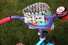bicycle bucket tutorial - Noodlehead, a cute sewn bike basket perfect for children's bikes. Sewing Projects For Kids, Crafts For Kids To Make, Sewing For Kids, Sewing Hacks, Sewing Tutorials, Sewing Crafts, Bicycle Basket, Bike Baskets, How To Make Purses