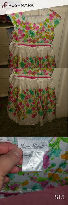 Jona michelle sz 5 floral dress Jona michelle sz 5 floral dress gently used in good condition jona michelle Dresses