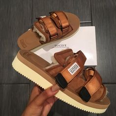 Protect the toes @ all costs. Cute Sandals, Cute Shoes, Me Too Shoes, Shoes Sandals, Shoes Sneakers, Summer Sandals, Brown Sandals, Sneaker Heels, Dream Shoes