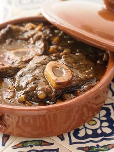 Oh my god, this looks amazing. Venison osso bucco based on an ancient roman recipe.    --this looks like a super interesting recipe for a day when I have a lot of time and energy to cook