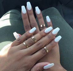 White Long Gel Nails Rakennekynnet Ring Tanned Summer Kynnet
