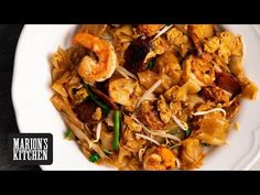 My version of Malaysia's Char Kway Teow noodle stir-fry. If you love Thai pad see ew or fresh rice noodles then you have to try this one! Kitchen Recipes, Cooking Recipes, Asian Grocery, Asian Recipes, Ethnic Recipes, Rice Noodles, Asian Noodles, Asian Cooking, Grilled Meat