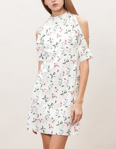 Print dress with shoulder slits - DRESSES - WOMAN | Stradivarius Other Countries
