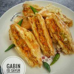 resep olahan gabin © 2020 brilio.net/ Instagram Food Combining, Food N, Dessert Recipes, Desserts, Cabbage, Easy Meals, Cooking Recipes, Snacks, Dishes