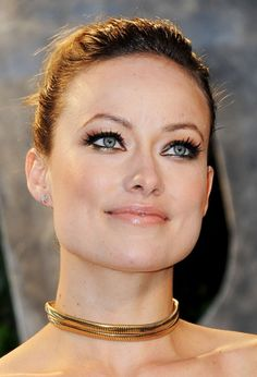 Olivia Wilde Metallic Eyeshadow - Olivia Wilde attended the 2012 'Vanity Fair' Oscar Party wearing metallic gold and copper eye shadow. Top Celebrities, Beautiful Celebrities, Beautiful Actresses, Olivia Culpo, Olivia Wilde Bikini, Olivia Wilde Eyes, Die Wilde 13, Celebrity Faces, Celebrity Style