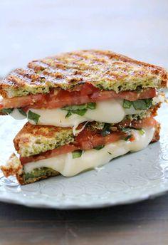 Mozzarella Tomato & Basil Panini - add some pesto YUM Think Food, I Love Food, Food For Thought, Good Food, Yummy Food, Tasty, Vegetarian Recipes, Cooking Recipes, Healthy Recipes