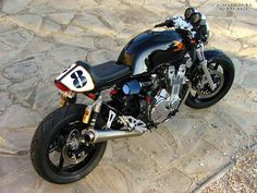 Honda CB750 Cafe Racer http://goodhal.blogspot.com/2013/01/another-great-cb750.html