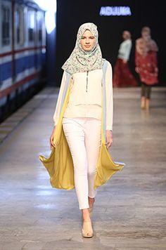 Istanbul Modest Fashion Week | Booths                              …