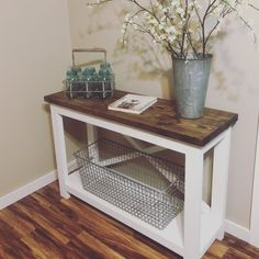 Diy möbel ideen Modern farmhouse console table How to Build a Simple Potting Bench T Farmhouse Kitchen Tables, Farmhouse Bedroom Decor, Modern Farmhouse Decor, Modern Farmhouse Kitchens, Farmhouse Furniture, Rustic Furniture, Modern Decor, Rustic Farmhouse, Modern Table