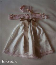 Anota el esquema que debes seguir para tejer a mano este precioso faldón de bebé para bautizo.