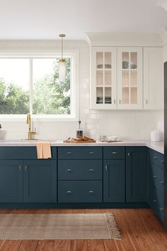 Vital Pieces of Amazing Small Kitchen Concepts For Your Snug Cooking A new kitchen design should think about the form of doors to be set up. Anyway, an open-kitchen style is sort of on trend now, enabling you to be… Continue Reading → Kitchen Cabinet Colors, Kitchen Redo, Home Decor Kitchen, Kitchen Interior, New Kitchen, Home Kitchens, Kitchen Remodel, Navy Blue Kitchen Cabinets, Navy Cabinets