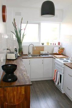 40 Ideas For Kitchen Small White Wood Shelves Little Kitchen, New Kitchen, Kitchen Decor, Kitchen White, Kitchen Small, Kitchen Ideas, Compact Kitchen, Space Kitchen, Functional Kitchen