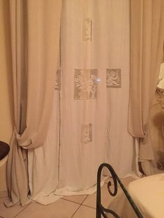 Da un telo di lino a una tenda con inserti all'uncinetto - Il blog italiano sullo Shabby Chic e non solo Shabby Chic, Women's Fashion, Blog, Home Decor, Fashion Women, Decoration Home, Room Decor, Womens Fashion