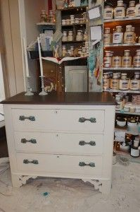 Ivy Lane offers Paint Workshops.  This piece was transformed at one!