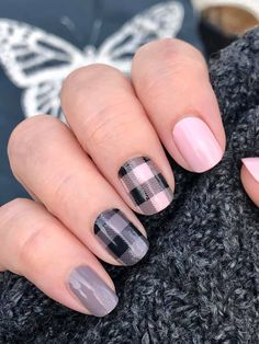 Want a salon quality maniucre without the cost? Achieve this DIY manicure with dry nail polish strips. Color Street Nail polish stripes are 100% nail polish in dry strip form. They require no heat or special tools and can last up to 14 Days. Color Street Plaid About You. Color Street Himalyan Salt. Color Street Berlin it to win it. Color Street nail combo ideas. Color Street manicure. How to apply Color Street nail polish strips #colorstreet #diynails #nailpolishstrips #nailpolish