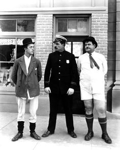 Stan Laurel and Oliver Hardy in Laurel and Hardy in underwear with Policeman Poster Laurel And Hardy, Stan Laurel Oliver Hardy, Golden Age Of Hollywood, Hollywood Stars, Old Hollywood, Great Comedies, Classic Comedies, Comedy Duos, Comedy Films