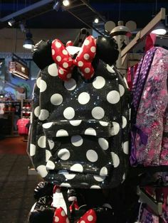 Minnie Mouse back pack   would literally kill for this backpack!
