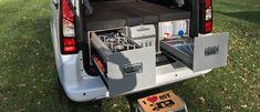 MICA Camperbox met zit, keuken en bed module! - 3DotZero Automotive BV Mercedes Camper, Suv Camper, Mini Camper, Volkswagen Caddy, Caravan, Berlingo Camper, Kangoo Camper, Minivan Camping, Van Living