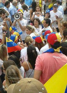 Buen domingo mi gente! Ayer a las 16:30 llegando a la concentración en Buenos Aires, se m hizo un nudo en la garganta pic.twitter.com/u7l9URCNQ9