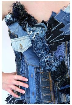 recycled denim dress detail 2019 recycled denim dress detail More The post recycled denim dress detail 2019 appeared first on Denim Diy. Denim And Lace, Raw Denim, Denim Corset, Recycled Fashion, Recycled Denim, Recycled Dress, Denim Fashion, Curvy Fashion, Dress Fashion