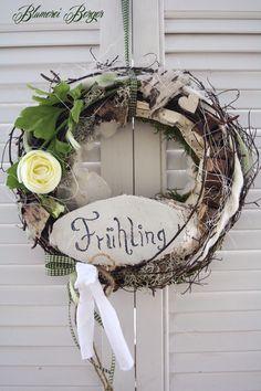 Frühling - :::: Türkranz Frühlingslaunen :::: - ein Designerstück von BlumereiBerger bei DaWanda