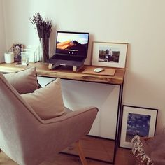 One of our brand new laptop stands, helping to make this beautiful little Workspace even nicer! Home Office Setup, Laptop Stand, New Laptops, Real Wood, Wool Felt, Black And Grey, Hardwood, Pure Products, Leather
