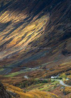 Glencoe Valley - Lochaber Scotland Uk, Scotland Travel, Glencoe Scotland, Places To Travel, Places To See, Scotland Landscape, England, Scottish Highlands, Beautiful Places To Visit