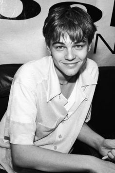 41 Awkward Leonardo DiCaprio Faces to Love Vintage Leonardo DiCaprio Pictures Beautiful Boys, Pretty Boys, Cute Boys, Star Hollywood, Vintage Men, Retro Men, Handsome Men Quotes, Leonardo Dicapro, Jack Dawson